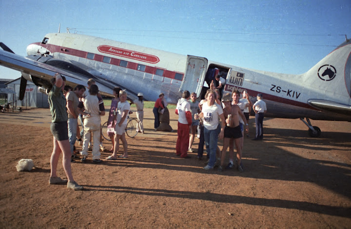 33257 ZS-KIV African Air Carriers DC-3 and skydivers in Klerksdorp Daniel Zuppinger-03