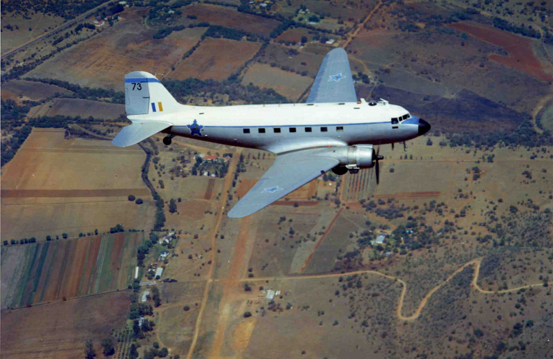 SAAF_Dakota_6873_cruising_on_the_Highveld_circa_1967